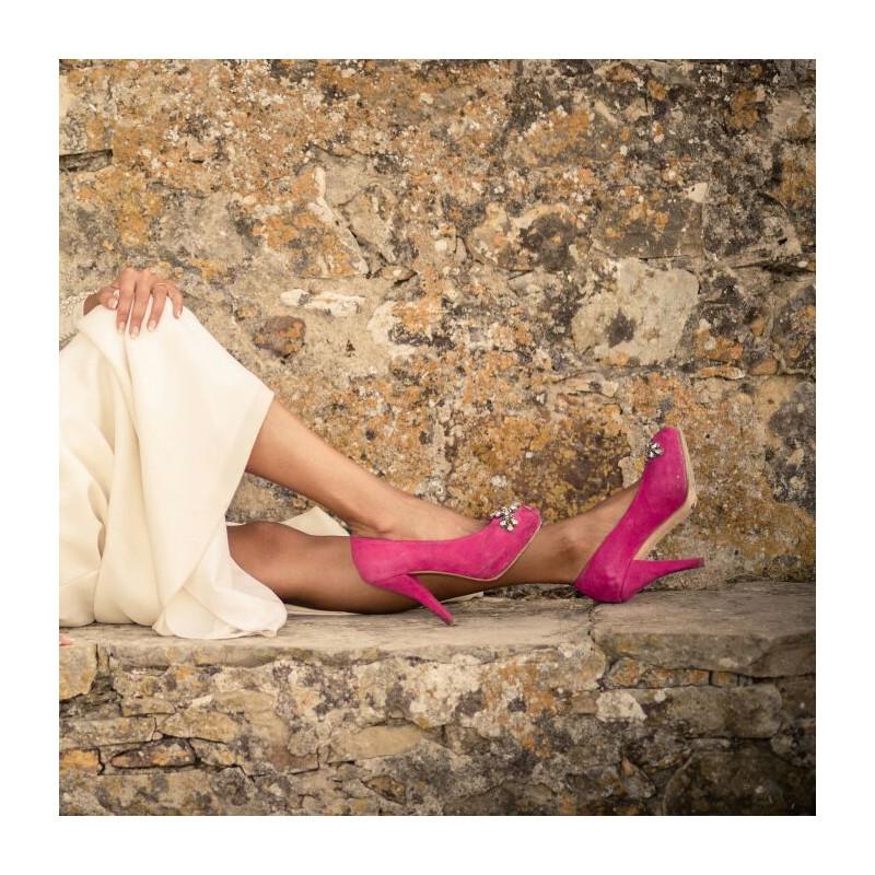 zapatos-fucsias-de-novia-pedreria