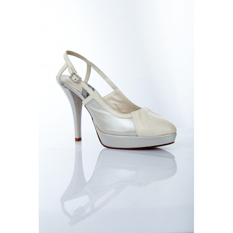 zapatos de novia tacon alto piel metalizada color gris plata