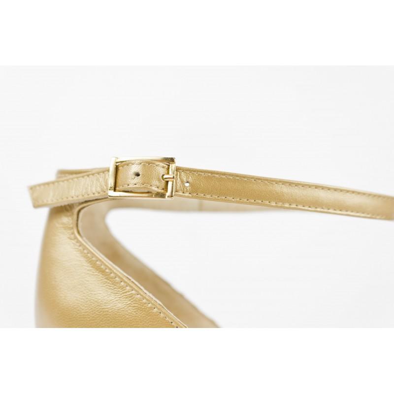 zapatos de mujer planos en piel metalizada color oro