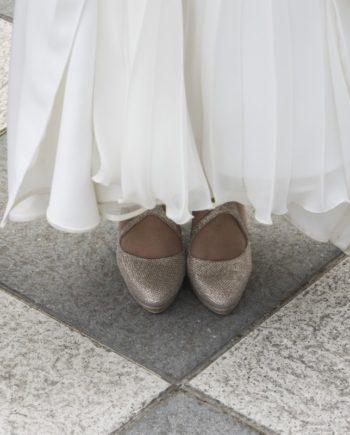 zapatos de mujer en glitter y tejido de fantasia con tacon de 8 cm