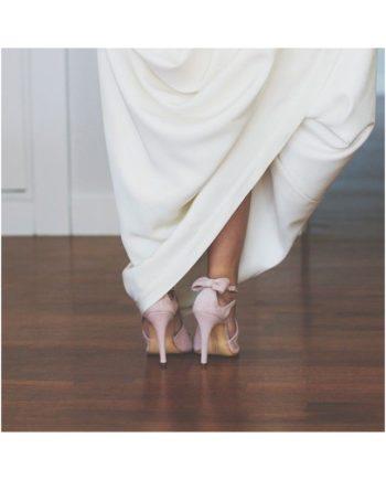 sandalias de novia rosas con lazo en talon y tacon de 9 cm