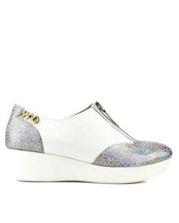 zapatos deportivas estilo urbano casual en piel blancos y glitter plata, cremallera en empeine y plataforma