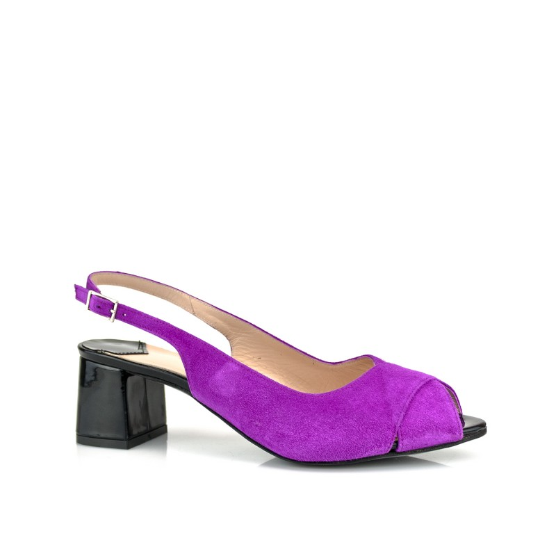 zapatos de mujer peeptoes morados con tacon ancho acampanado en charol negro de 5 cm