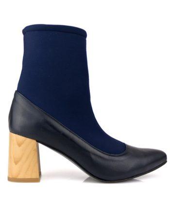 botines mujer azul marino en piel y caña elastica calcetin con tacon acampanado de 6 cm en color madera