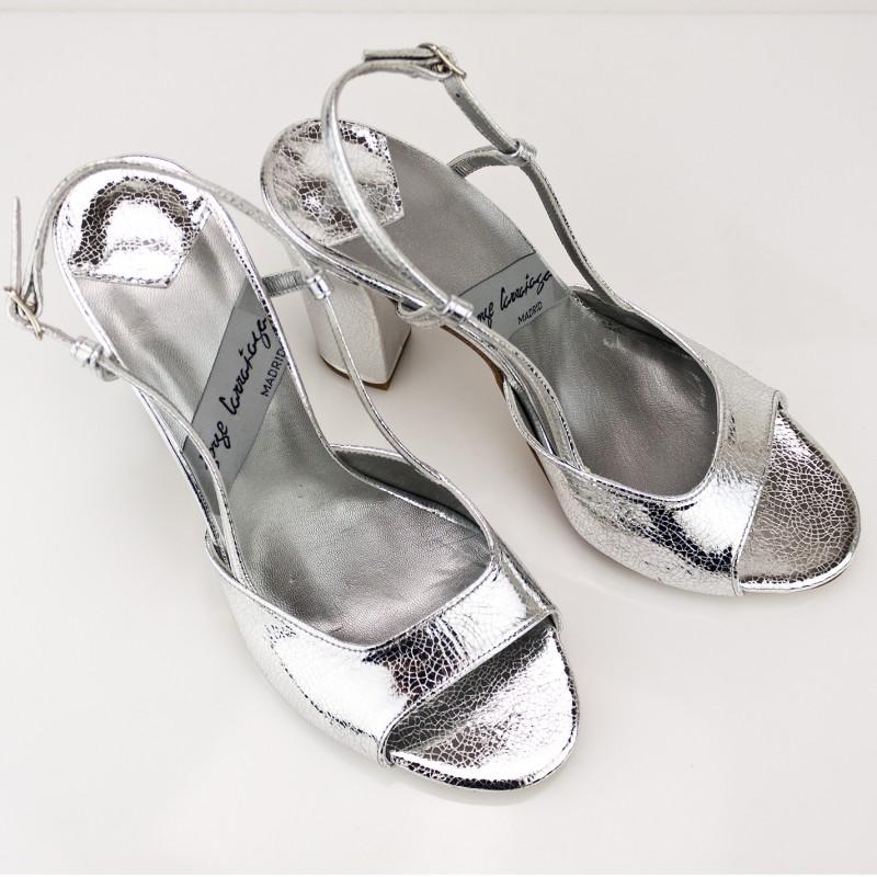 sandalias plateadas color plata tacon redondo de 8 cm abierta punta peeptoes