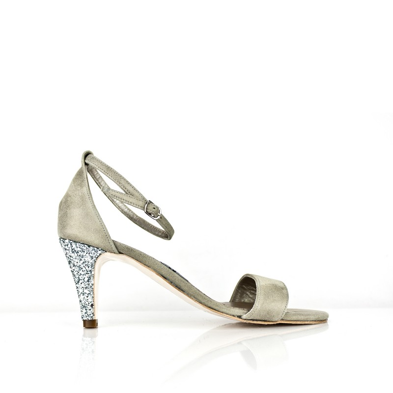 sandalia en piel metalizada champan con tacon glitter plata de 6 cm