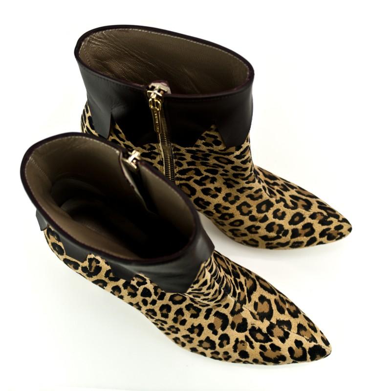 botines de mujer animal print en ante leopardo con tacon de 8 cm simulando madera