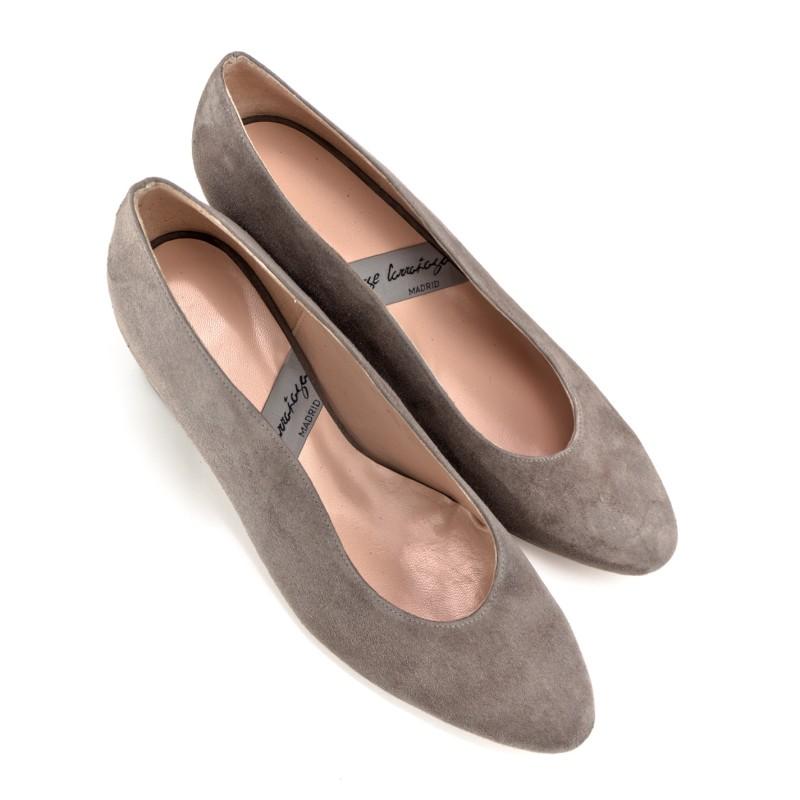 zapatos salon de mujer con tacon ancho y redondo de 5 cm