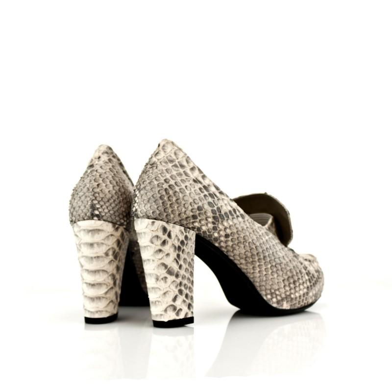 zapatos de mujer salon en piton natural con tacon ancho de 8 cm