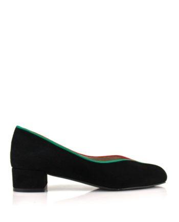 zapatos planos en ante negro con ribetes en dos colores y tacon de 3 cm