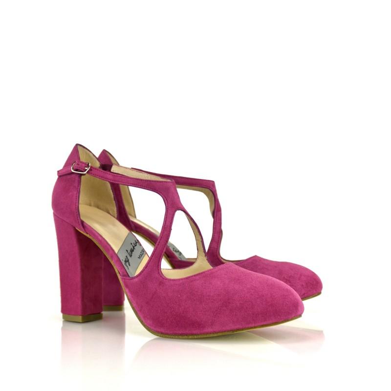 zapatos salon en ante morado con tacon ancho de 9 cm