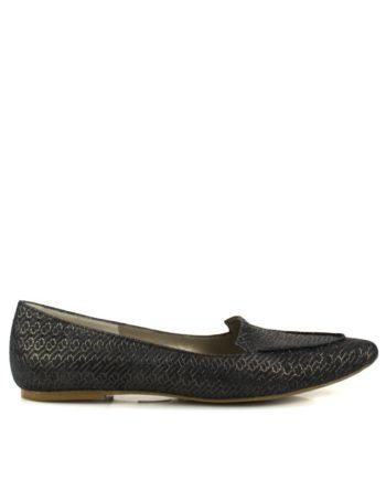 zapatos planos oscuros en piel trenzada con brillos oro dorados