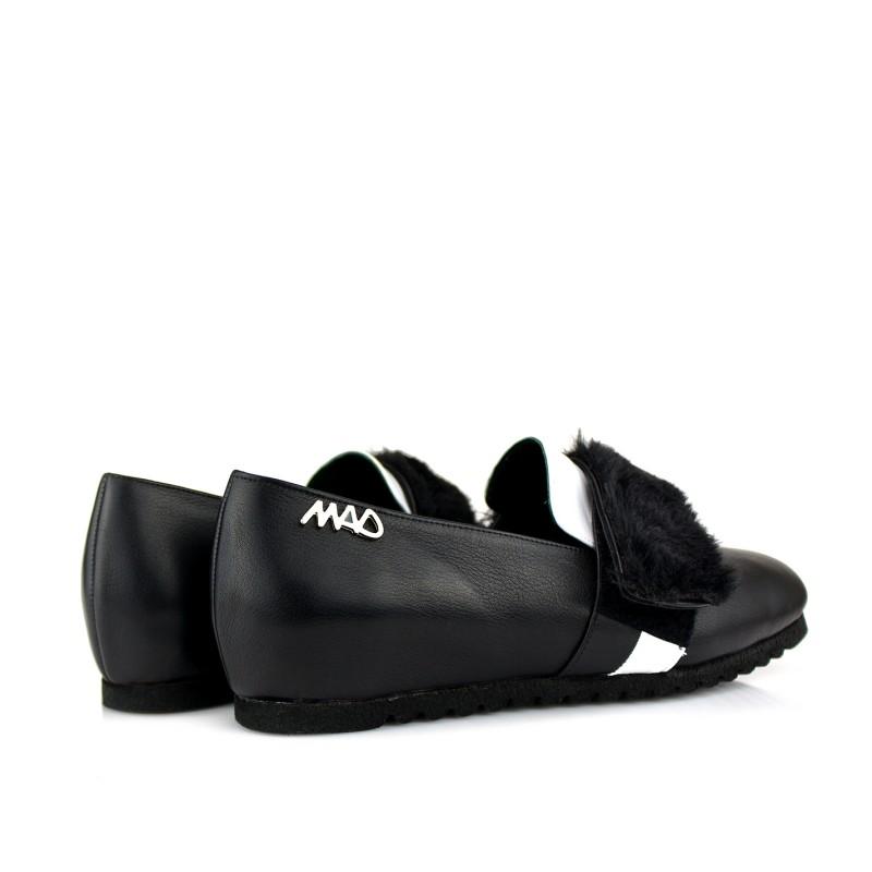 zapatos unisex niños y adultos en piel negra y blanca con cierre belcro